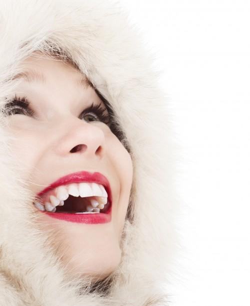 هل الأسنان البيضاء الثلجية هي أسنان صحية ؟
