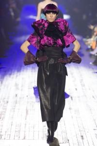 IMG 2797 200x300 مارك جيكوب يختتم اسبوع الموضة في نيويورك باغرب الاطلالات