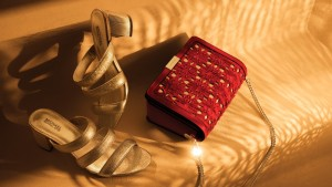 IMG 5041 300x169 اكتشفوا المجموعة الأجمل لإطلالات رمضان من مايكل كورس