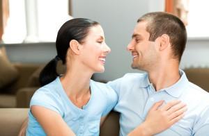 l.como mejorar la comunicacion en el matrimonio 1401700590 300x196 كيف تتعاملين مع عناده